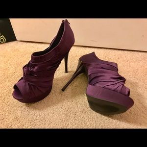 Shoes - Plum color Platform 👠size 10